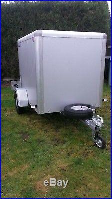 BOX TRAILER TOW A VAN 6x4x4 750kg INDESPENSION SUPER CLEAN CAN DELIVER