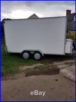 Large Box Trailer Braked 2000kg GTW