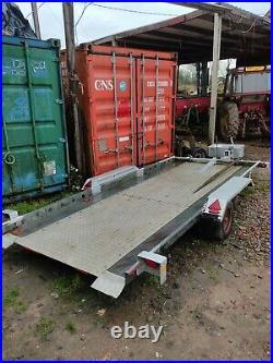 Tilt bed car transporter trailer