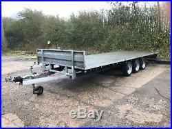 Tri axle car trailer