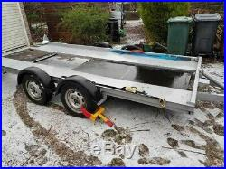 Twin axle car transporter trailer with tilt bed and led lights